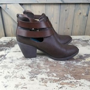 Blowfish Strappy Ankle Boots 8